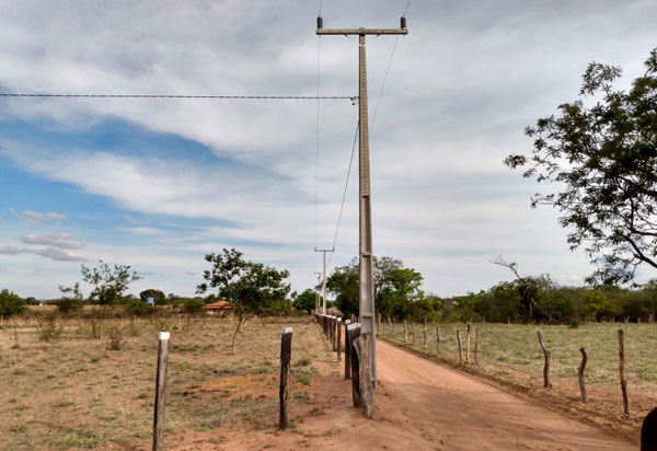 Após pedido de Ivana, 21 famílias são beneficiadas com energia elétrica