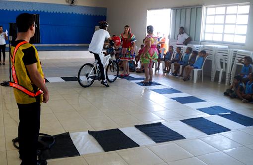 Brumado: M&M Motos realiza ações educativas durante a Semana Nacional de Trânsito