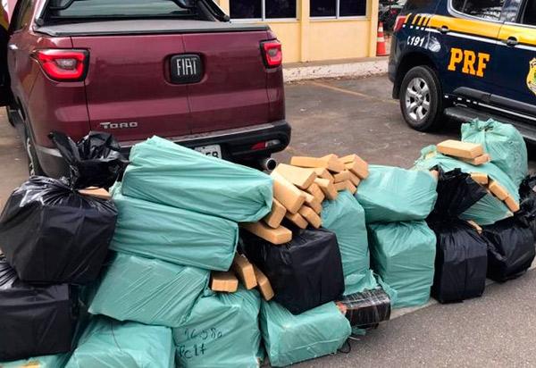 Conquista: homem é preso com mais de meia tonelada de maconha dentro de caminhonete