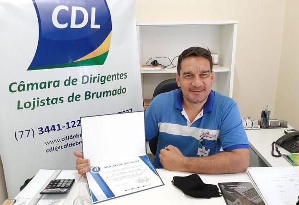 Brumado: Presidente da CDL recebeu uma moção de aplauso da CNDL