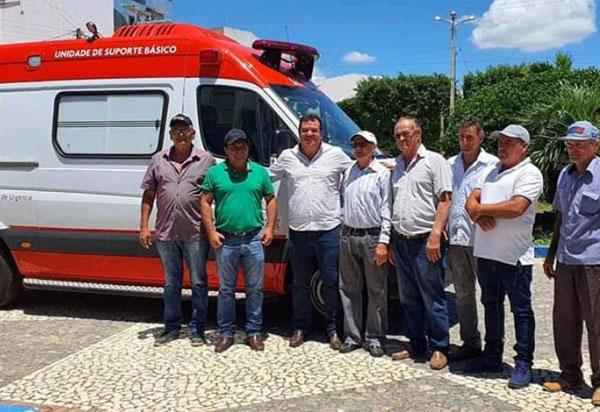 Deputado Marquinho Viana amplia atendimento ao setor de saúde de Tanhaçu