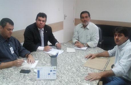 Livramento: Presidente da Embasa atende pedido do deputado Marquinho Viana e autoriza  ampliação da rede de água