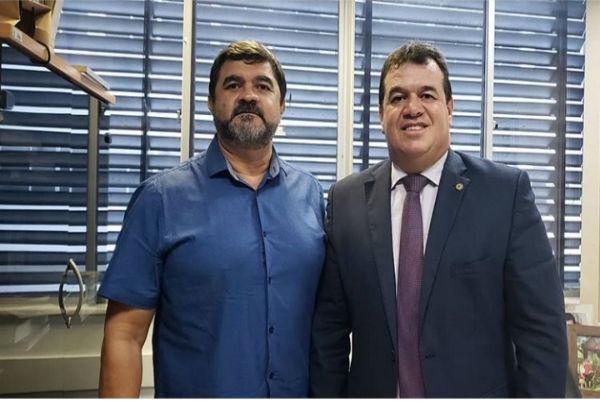 Deputado Marquinho Viana recebe na Alba o vice-prefeito de Iramaia