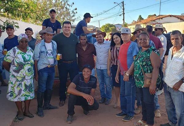 Deputado Marquinho Viana visita o distrito de Nova Colina, em Boninal