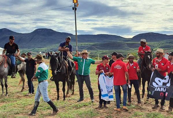 Deputado Marquinho Viana participa da prova de Marcha do Cavalo Marchador, em Piatã