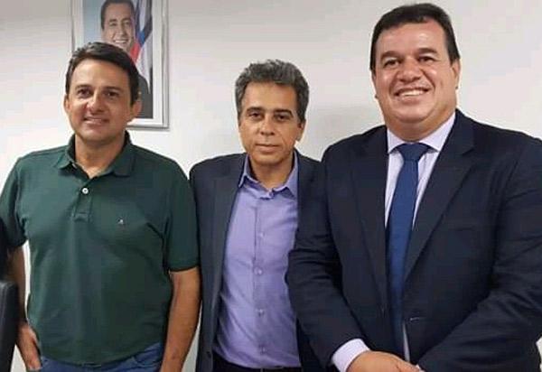 Deputado Marquinho Viana e prefeito de Rio de Contas participam de audiência na  Secretaria da Educação do Estado