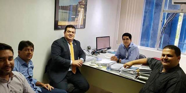 Deputado Marquinho Viana leva prefeitos para audiência na Embasa