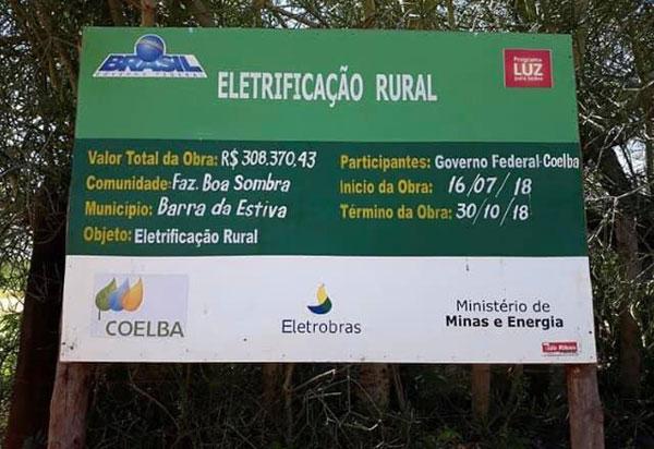Deputado Marquinho Viana  participa da inauguração de rede de energia  na zona rural de Barra da Estiva