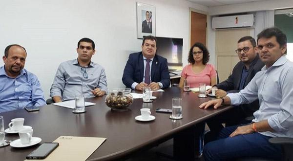 Deputado Marquinho Viana leva demandas de Planalto, Boquira e Boninal para a Secretaria de Educação