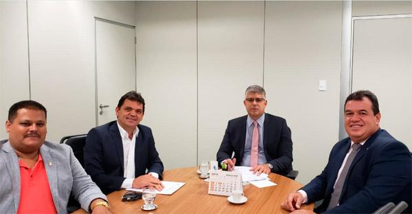 Deputado Marquinho Viana e prefeito de Planalto participam de audiência na Secretaria  de Segurança Pública para pedir reforço no policiamento