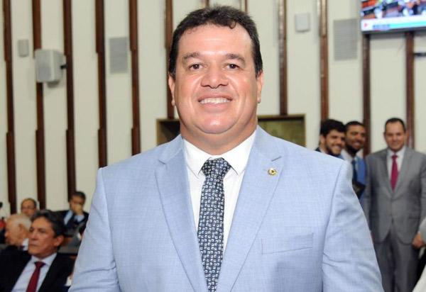 Deputado Marquinho Viana parabeniza as mulheres no seu dia internacional