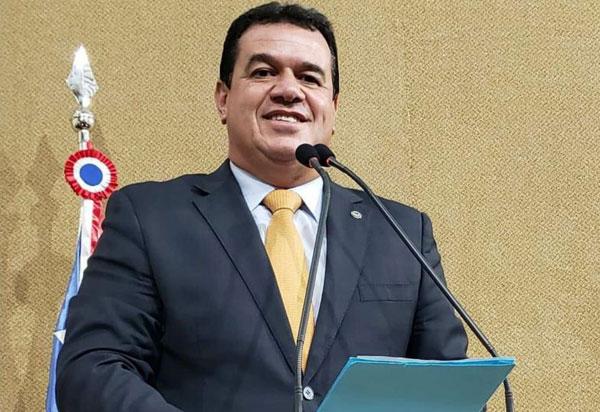 Deputado Marquinho Viana é contra a tentativa de reeleição de Nelson Leal na Alba