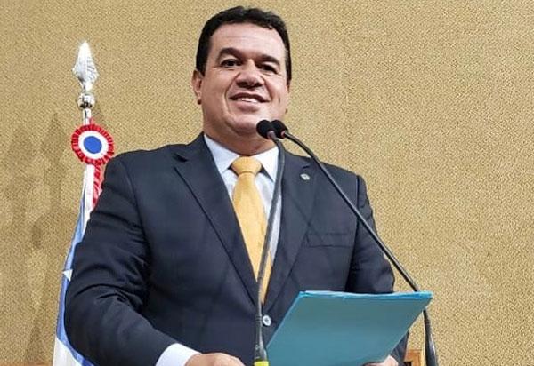 Proposta do deputado Marquinho Viana eleva a 80% o abono para servidores que adiarem aposentadoria