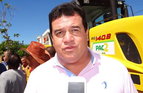 Deputado Marquinho Viana solicita melhoria do sistema de telefonia celular em 5 municípios