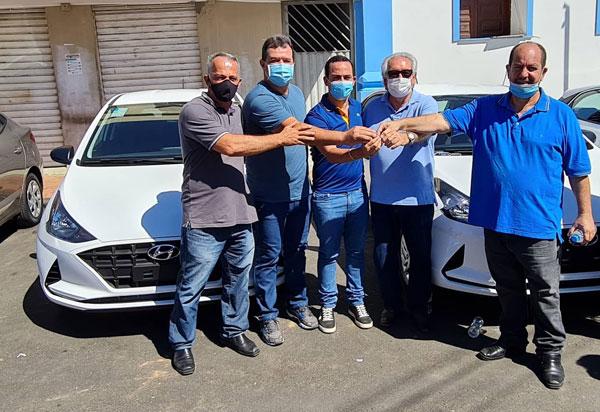 Deputado Marquinho Viana participa da solenidade de entrega de veículos no município de Ituaçu