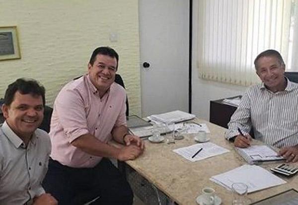 Deputado Marquinho Viana consegue poços artesianos para Barra da Estiva e Planalto