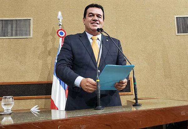 Deputado Marquinho Viana parabeniza Dom Basílio, Cordeiros e Érico Cardoso pelos aniversários de emancipação política