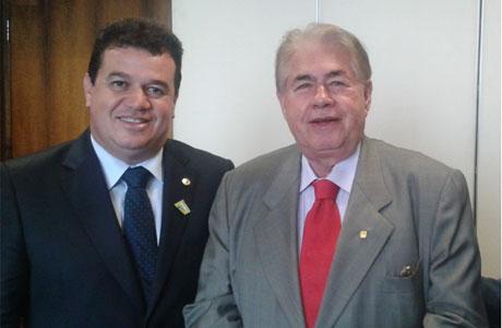 ALBA: Newton Cardoso recebe a Medalha 2 de Julho, proposta do deputado Marquinho Viana