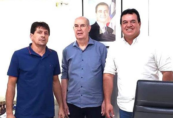 Aracatu: Deputado Marquinho leva prefeito Sérgio Maia à audiência na CERB