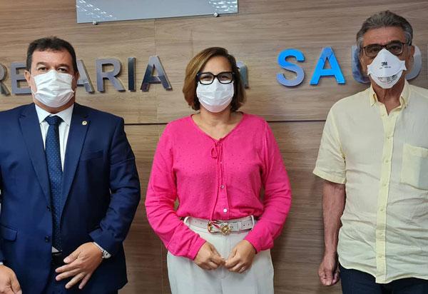 Deputado Marquinho Viana busca na Sesab melhorias no atendimento da saúde em Paramirim