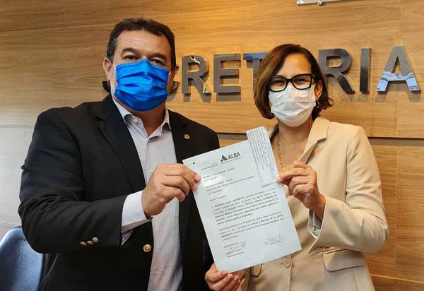 Deputado Marquinho Viana na Sesab solicita liberação de equipamentos para o Hospital Suzy Zanfretta, de Barra da Estiva