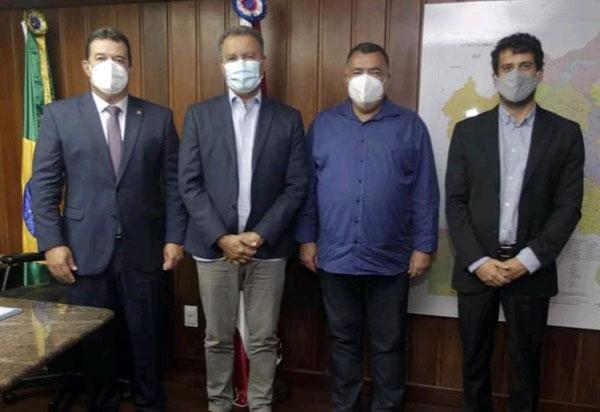 Deputado Marquinho Viana e o prefeito de Livramento solicitam ao Governador Rui Costa investimentos para áreas educacional e de infraestrutura