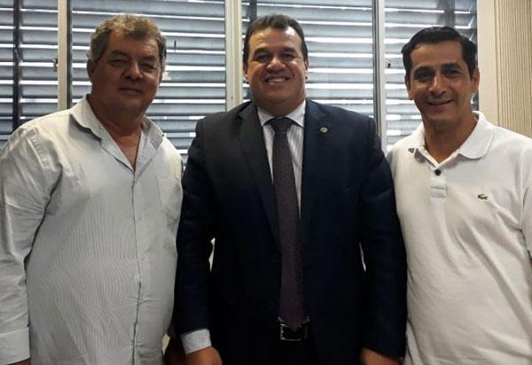 Deputado Marquinho Viana recebe o prefeito de Rio do Antônio na Alba