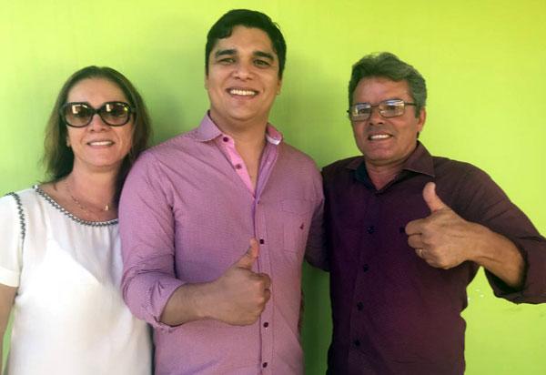 Brumado: radialista Marquito Gomes declara apoio a reeleição do deputado estadual Vitor Bonfim