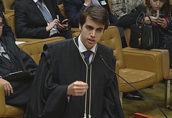 Aos 18 anos, advogado de Brasília defende tese no STF; ele foi aprovado no curso de direito aos 14 anos