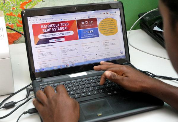 Rede estadual dá início a matrícula 100% digital para 2020