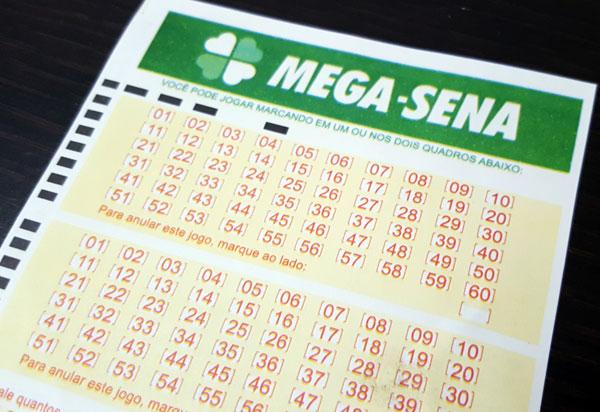 Prêmio principal da Mega-Sena acumula mais uma vez