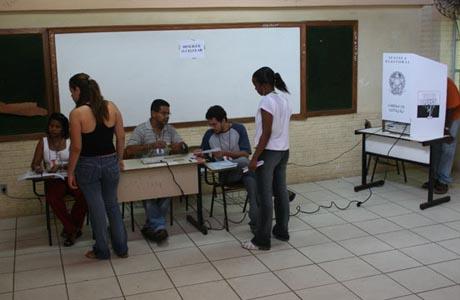 AS OBRIGAÇÕES E BENEFÍCIOS DA FUNÇÃO DE MESÁRIO