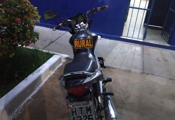 Polícia Militar recupera em Dom Basílio moto roubada em 2016