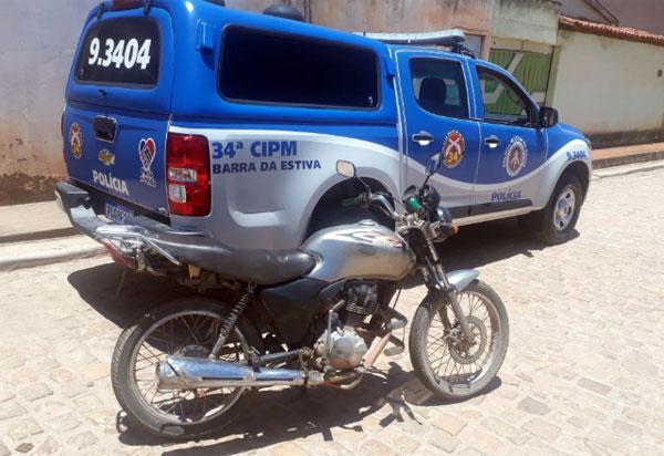 Polícia Militar recupera moto furtada em Barra da Estiva