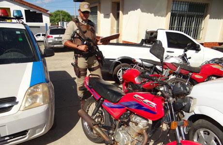 Brumado: Polícia Militar recupera mais uma moto roubada