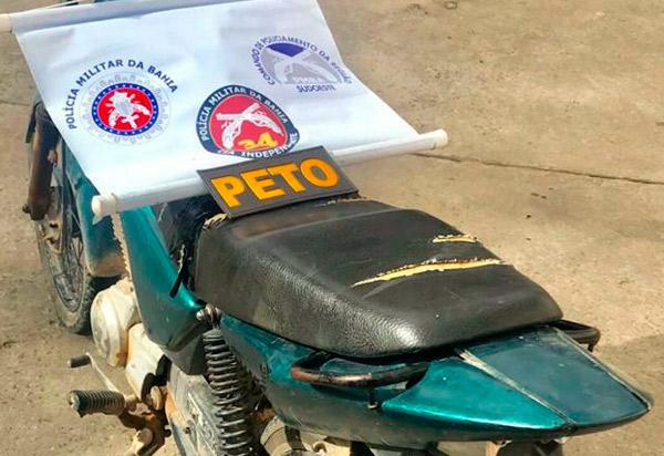 Brumado: veículo com restrição de furto/roubo é apreendido na Praça da Prefeitura