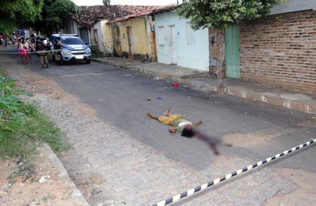 DE NOVO: MULHER É MORTA A PEDRADAS EM BRUMADO