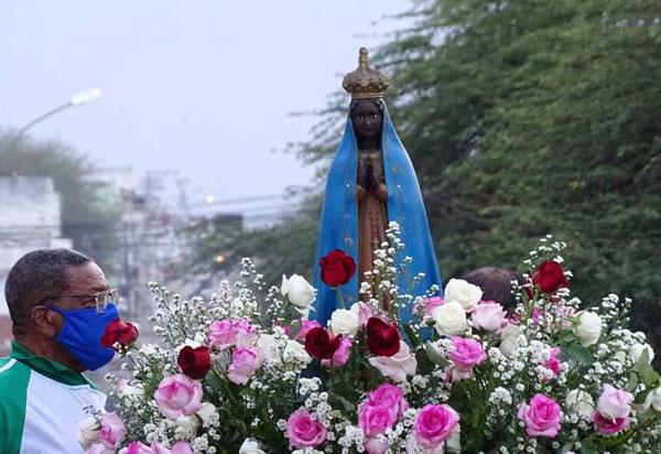 Em Brumado a Paróquia Nossa Senhora da Conceição Aparecida e São Cristóvão celebra a sua padroeira