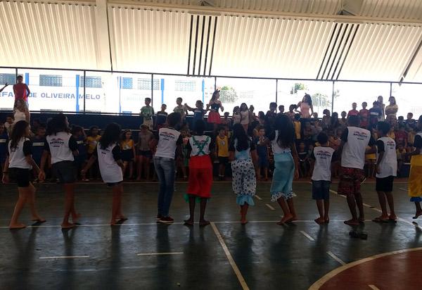 Brumado: Núcleo de Cidadania dos Adolescentes promove ações em alusão ao Dia da Criança