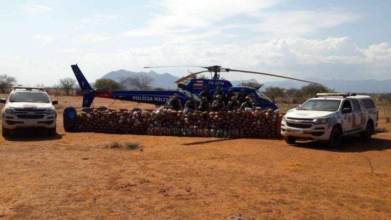 Livramento: Megaoperação recupera R$ 177 mil roubados de carro-forte e apreende mais de meia tonelada de maconha; um é morto