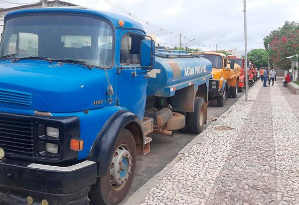 Operação Água Potável é iniciada em Brumado após reivindicação da vereadora Verimar do Sindicato