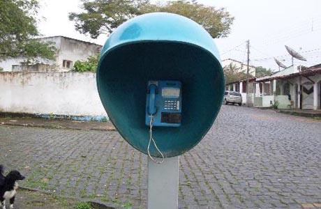 BRUMADO: ORELHÕES LIBERADOS PARA TELEFONAR DE GRAÇA