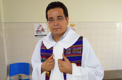 Brumado: Requerimento de autoria do vereador Weliton solicita sessão solene em homenagem ao padre José Silva