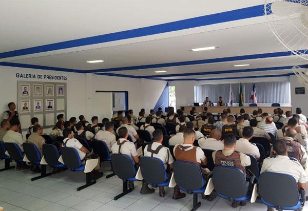 Brumado: 34ª CIPM realizou Parada Militar no auditório da OAB