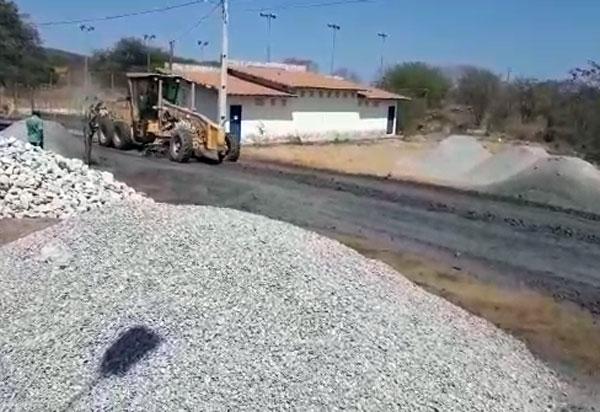 Em apoio a Associação Comunitária do Campo Seco, RHI Magnesita viabiliza construção da sede da associação e pavimentação de trecho da comunidade