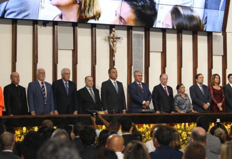 Rui Costa toma posse e reforça tripé educação, saúde e segurança como prioridade