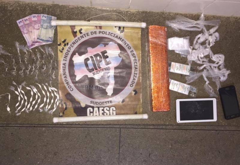 Aracatu: homem é preso acusado de tráfico de drogas