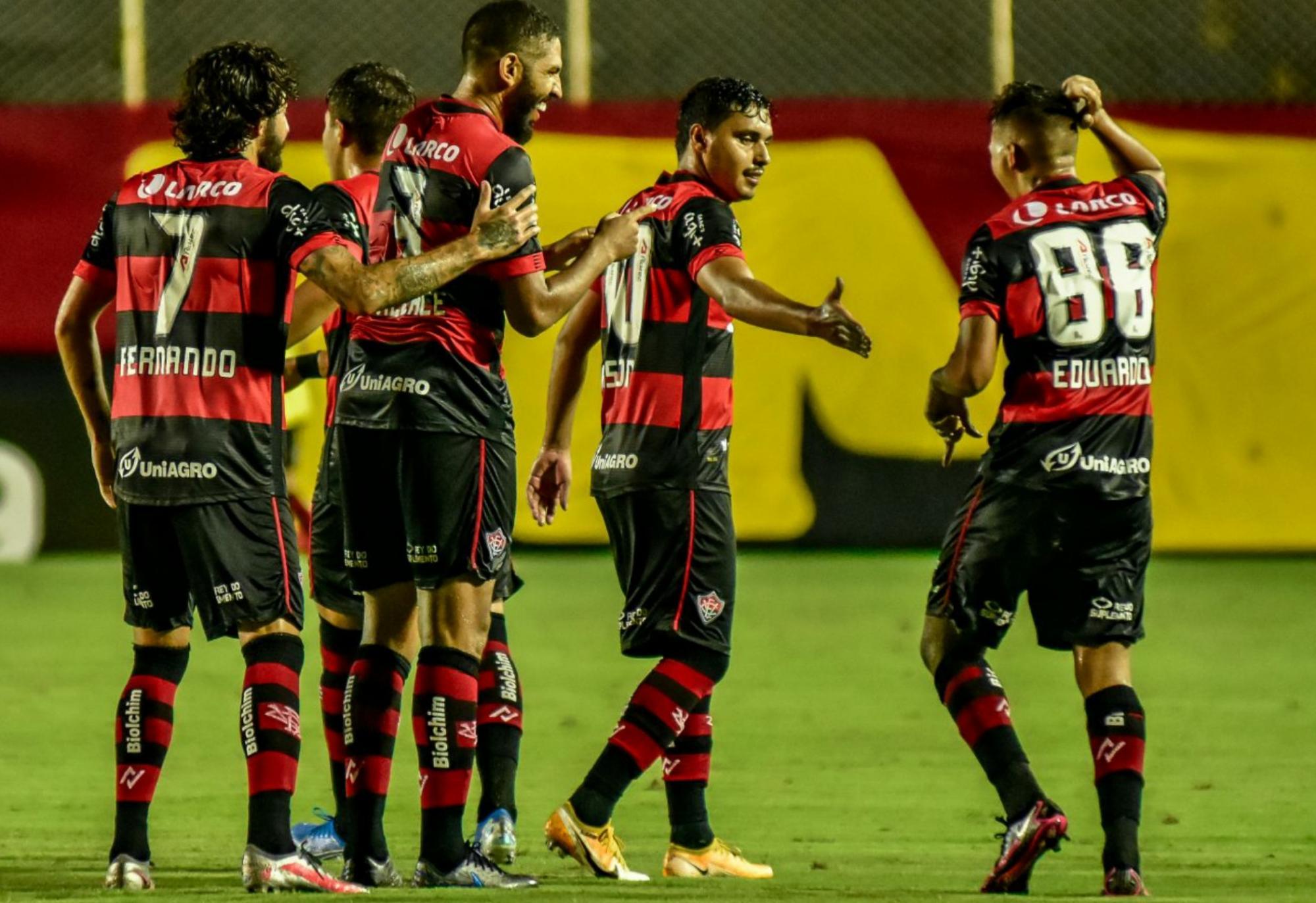 Vitória vence e segue no Campeonato Brasileiro da Série em 2021