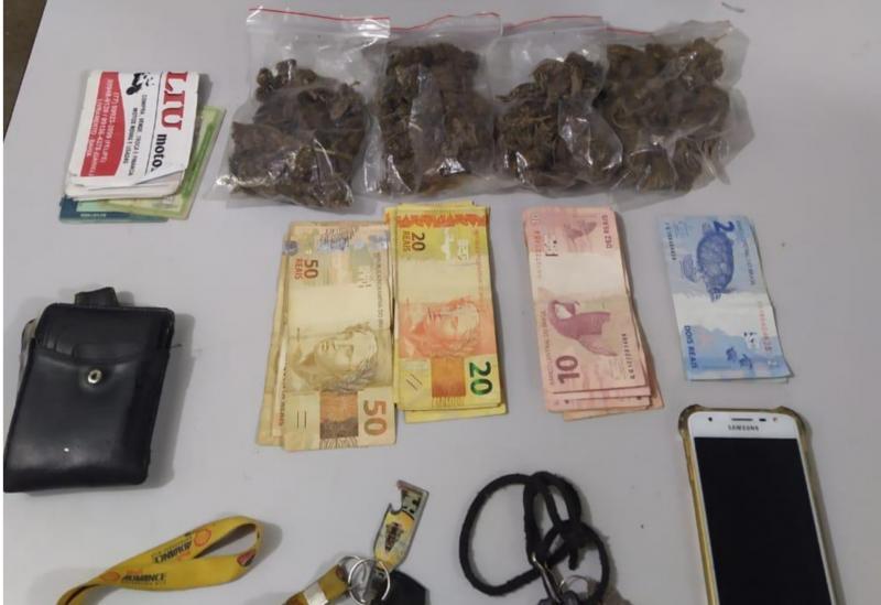 Dupla é detida pela Polícia Militar em Rio de Contas acusada de tráfico de drogas