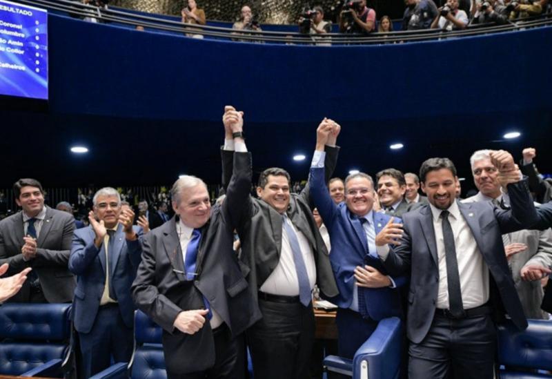 Davi Alcolumbre é eleito novo presidente do Senado Federal